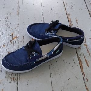 Super cute boat shoes